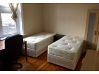 King size twin room close to Elephant Castle On Old Kent Road suits for two friends