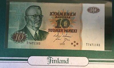 Finland 10 Markka Banknote & Stamp uNC