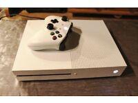 XBOX ONE S 500 GB - WITH GTA 5