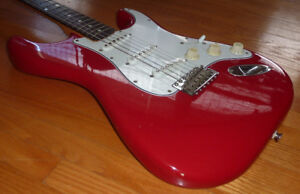 MADE IN JAPAN SQUIER STRATOCASTER 1984 - 1987