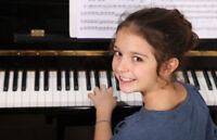 PIANO LESSONS -PROFESSIONAL TEACHER - FREE TRIAL -RED DEER