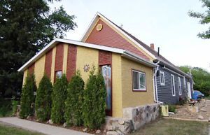Contemporary Conversion 35 Minutes from North Battleford
