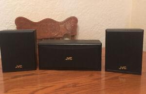 Haut-parleurs JVC pour cinéma maison à vendre!