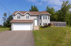 BEAUTIFUL HOME WITH ATTACHED GARAGE AND NICE BACKYARD