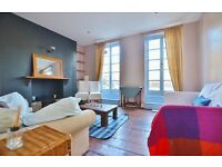 Delightful 4 Bedroom With A Private Roof Terrace Located Between Angel And Highbury & Islington.