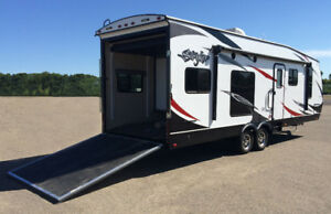 looking to buy a 21 ft toyhauler