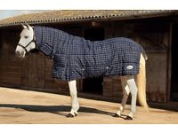 Medium weight Stable Rug for horses