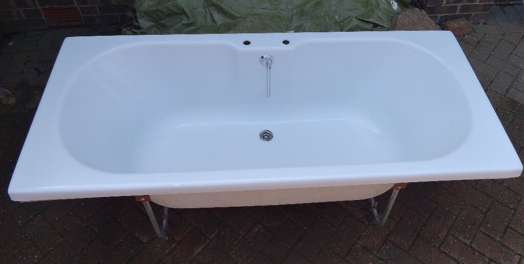 Large deep Bath 1800 x 400 x 550 great condition | in Cottingham ...