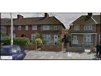 ***BEAUTIFUL 3 BEDROOM HOUSE TO LET IN DAGENHAM LONGBRIDGE ROAD, (RM8)