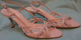 JFW WOMEN'S PINK LEATHER MID HEEL SANDALS SIZE 39 *BRAND NEW WITHOUT BOX*