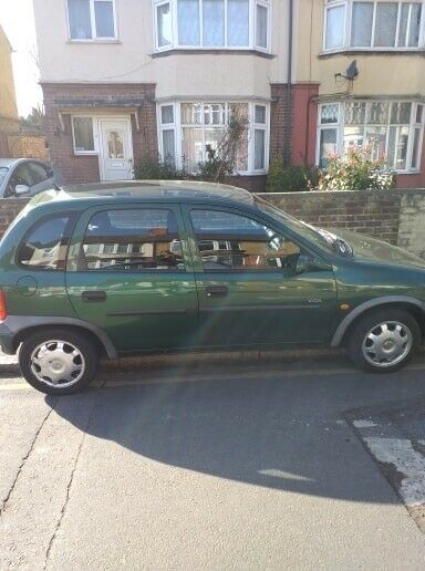 automatic corsa reg 2000 with mot drive spot very low mileg only 76000 | in  Luton, Bedfordshire | Gumtree