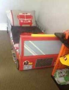 Excellent condition FIRE TRUCK bed London Ontario image 2