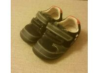 Baby boys Clarks first shoes navy size 4G