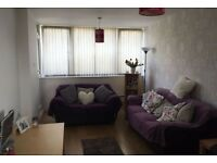 FULLY furnished, available now, 2 beds, gym, parking - £575/month