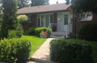 POINTE-CLAIRE CUSTOM BUNGALOW - OPEN HOUSE SUN NOV 22, 2-4