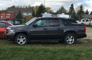 2011 Chevrolet Avalanche  4 X 4 CERTIFIED & E-TESTED