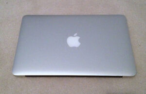 MINT SILVER MACBOOK AIR 11' / 1.4GHz INTEL / 2GB RAM / 64GB SSD