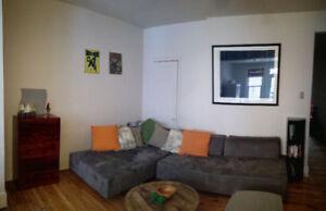 Sous-Location. Appartement meublé proche métro Mont-Royal