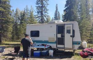 Bumper pull camper trailer