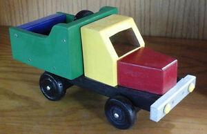Camion jouet démontable