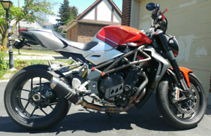 Showroom condition 2011 MV Agusta Brutale 1090rr