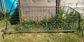 FREE - Dog guard for Fiat Doblo (2003) - Excellent Condition