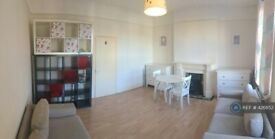1 bedroom flat in East Hill, Wandsworth, SW18 (1 bed) (#426852)