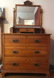 ANTIQUE DRAWERS WITH MIRROR