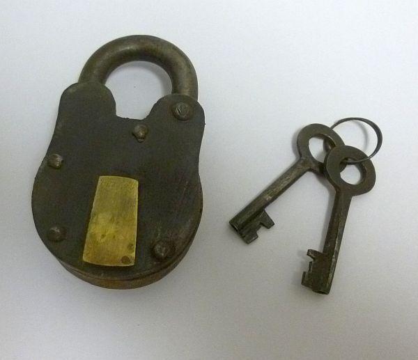 Изображение товара NEW Iron and Brass Padlock 2 Fully Functional w/ Iron Keys Reenactment Civil War