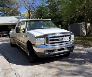 2004 Ford E-350 Pickup Truck