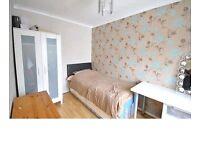Single room in New Malden