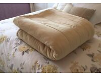 Luxurious thick heavy bed throw