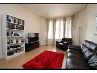 Modern Centrally located 1 Bedroom flat: Paisley New Street