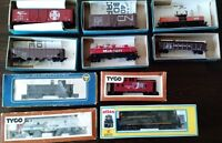 Collection of HO scale train items