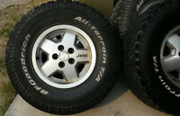 5 Jeep Wheels with Tires 31x10.5R15 LT
