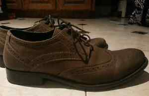 Like New Hush Puppies Men's Shoes