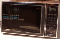 Frigidaire Convention Microwave Oven