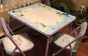 Disney Kids study Table and chairs
