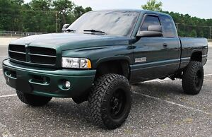 LOOKING FOR A 2002 DODGE RAM 2500/3500