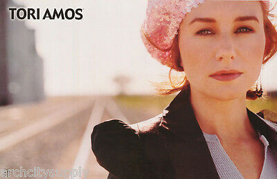 POSTER : MUSIC : TORI AMOS - FACE SHOT WITH HAT - FREE SHIPPING ! #6580 LW6 R