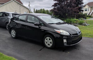 2010 Toyota Prius - Leather, sunroof, well maintained hybrid