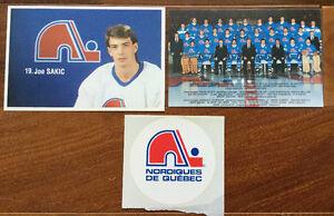 Plusieurs souvenirs de hockey du bon vieux temps