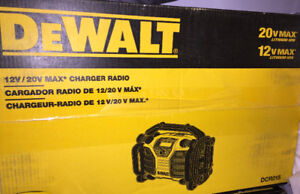 DeWalt DCR015 Job Site Radio - 20V & 12V Compatible *NEW*