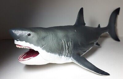 2020 New Collecta Dinosaur Toy / Figure Megalodon with Movable Jaw - Deluxe 1: 6