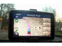 Garmin nuLink 2390 SatNav GPS UK and Europe