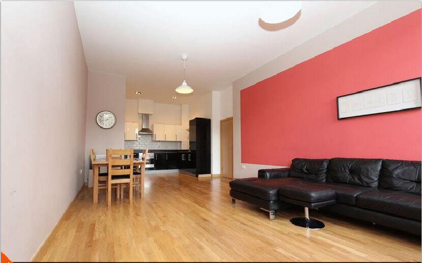 2 Bedroom 2nd Floor Flat to Let in Academy Court Longbridge Road RM8 2FF