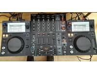 2xPioneer xdj 700 and beringer djx900 USB mixer