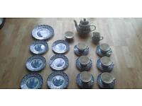 Royal England Broadhurst Staffordshire Vintage Teapot & Tea Set
