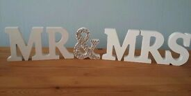 Mr & Mrs Table Sign