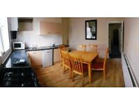 Large double room in shared house. Beeston. LS11 . Leeds . Privet landlord , all bills included. £65